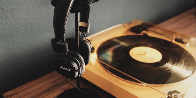 Headphones for Listening to Vinyl