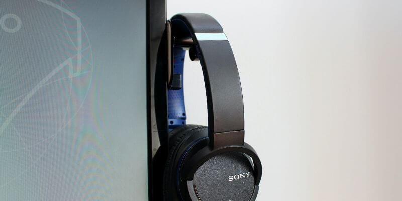 headphone wall mount